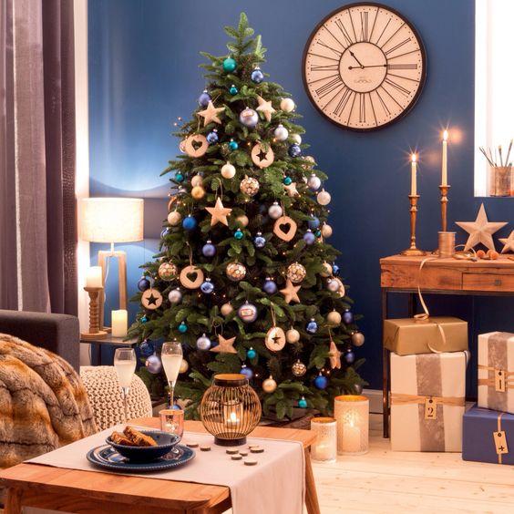 цвет новогодней елки