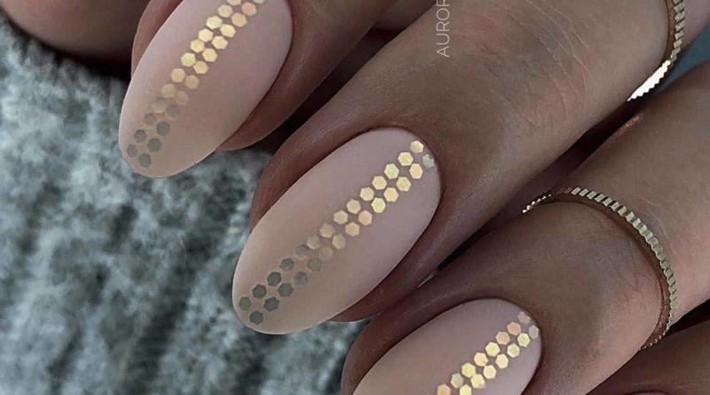 модные нюдовые ногти 2020-2021 дизайн ногтей
