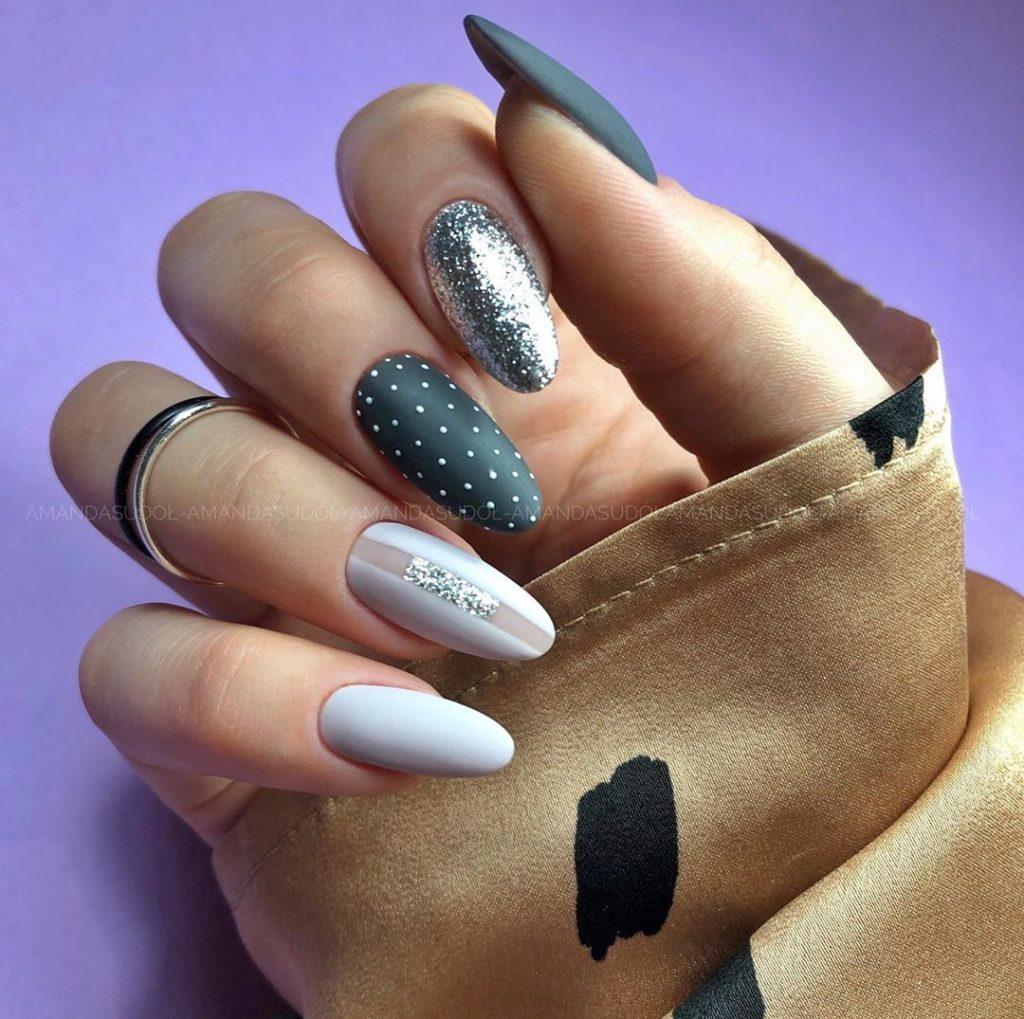 стилистические ногти 2020