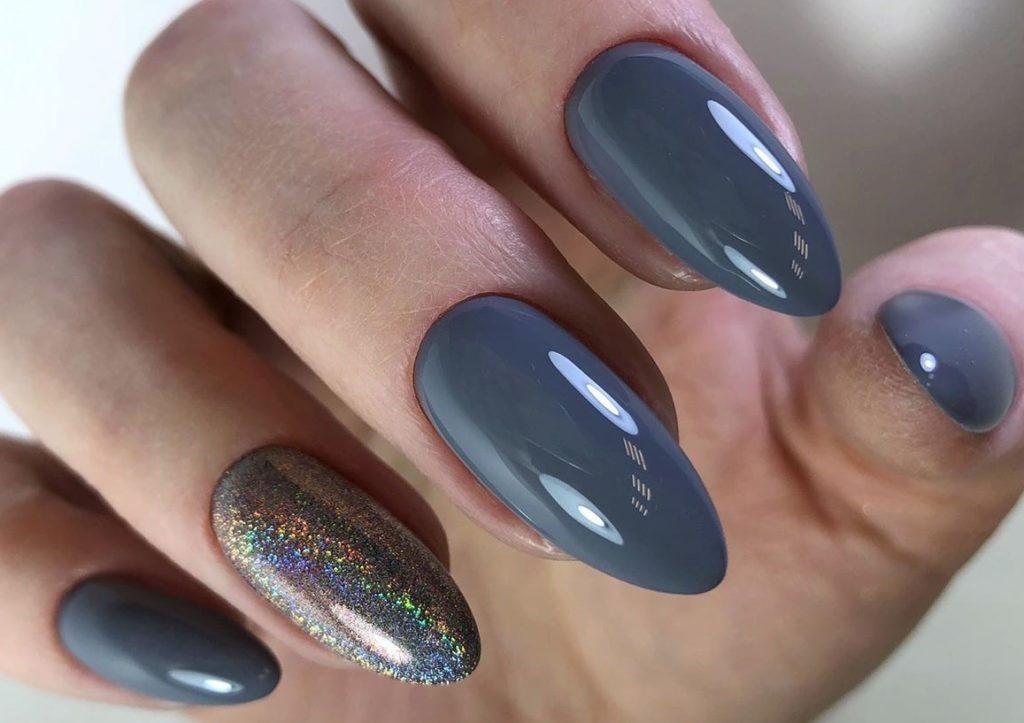изумруд на ногтях цвета
