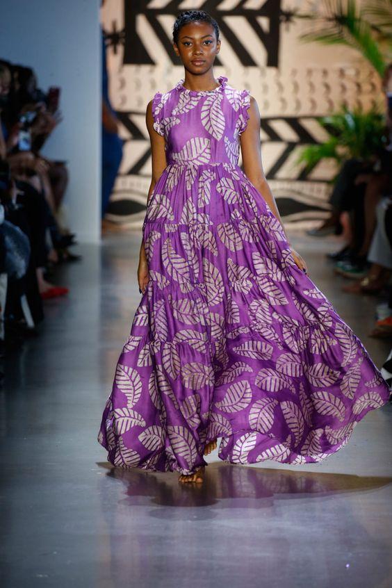 фиолетовое платье 2021 стильно