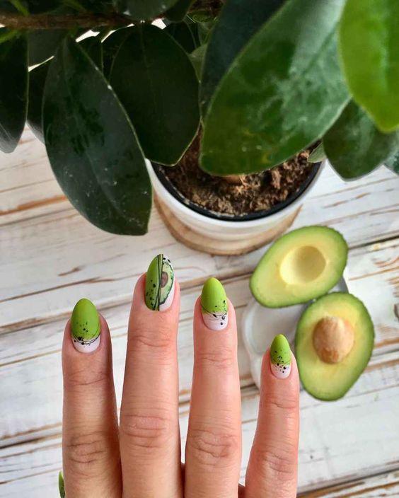 авокадо на ногтях