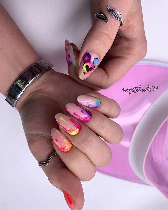 броский рисунок на ногтях яркие оттенки