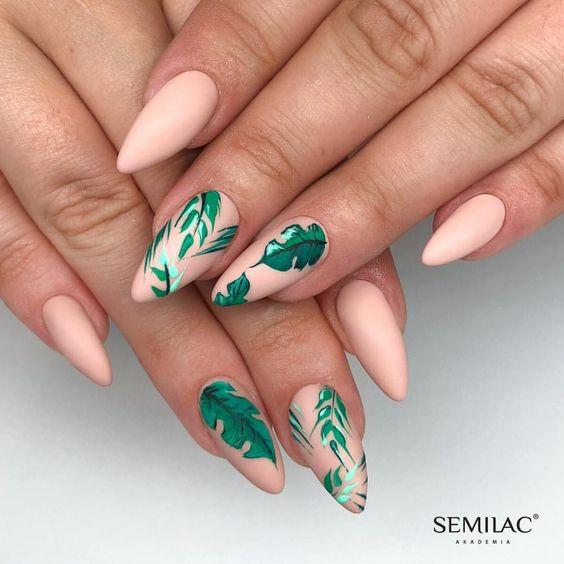 стильные ногти стилеты листочки