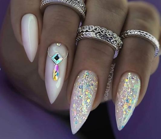 острые ногти стилеты декор 2022 фото