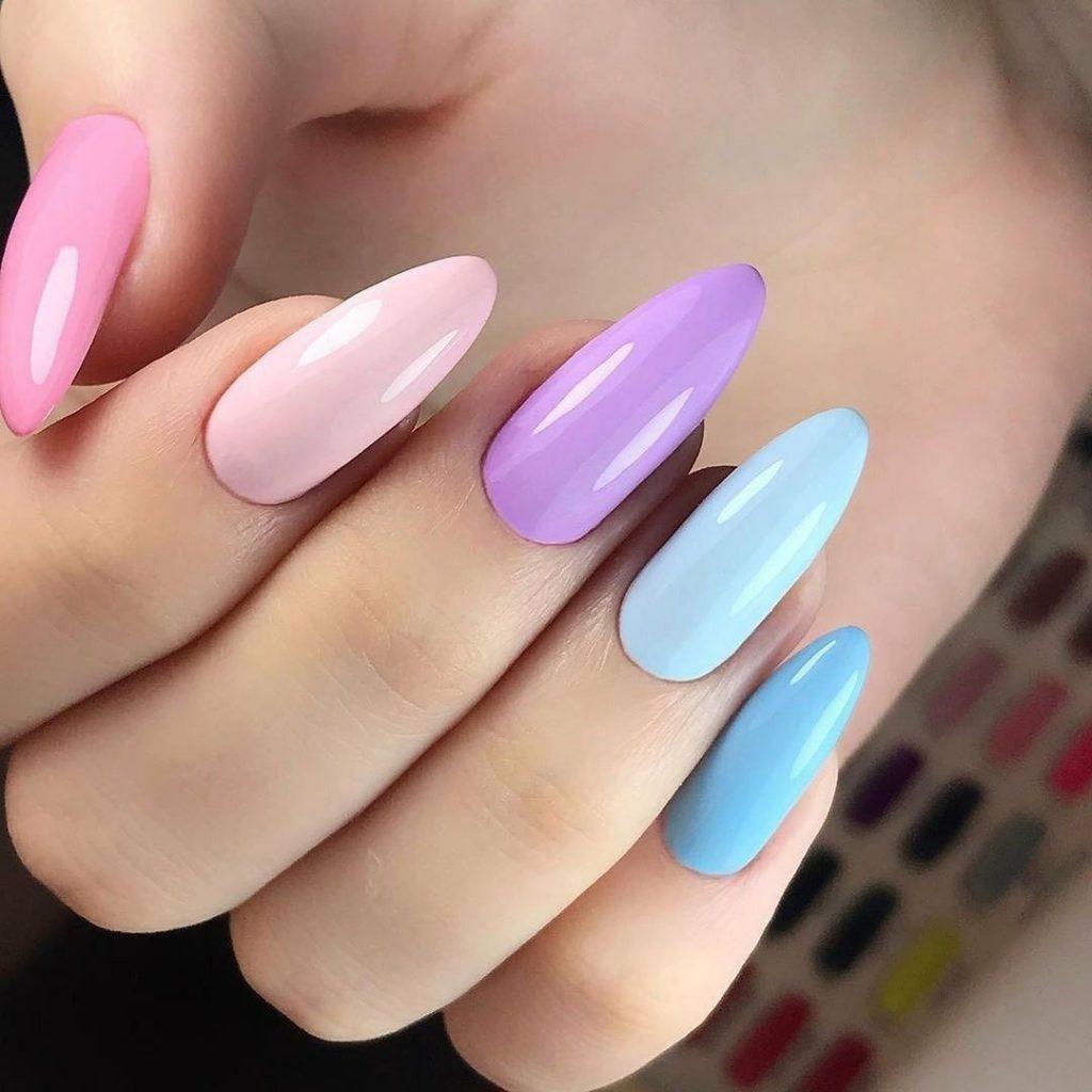 монохромный дизайн ногтей острые ногти